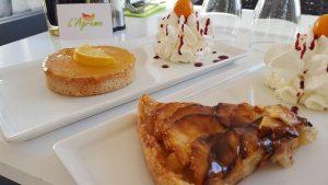 Desserts : tarte aux pommes et tarte au citron